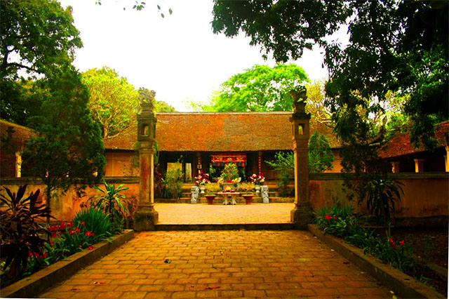 Temple Phung Hung
