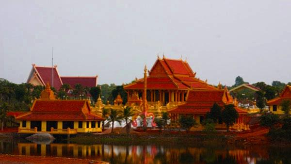Làng Văn Hóa Dân Tộc Việt Đông Mô