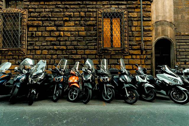 Motorbike Rental Ba Dinh